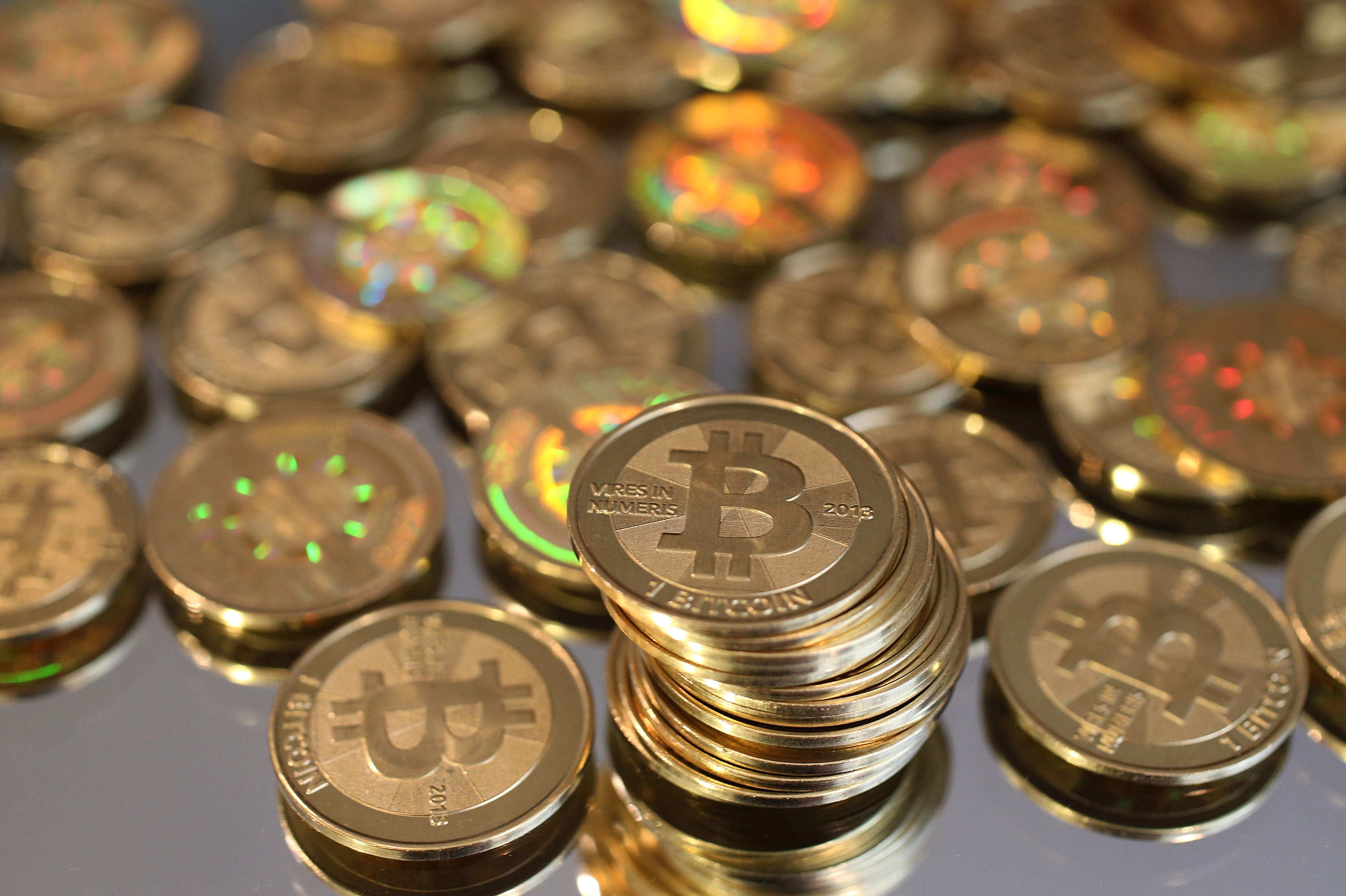 https://www.nationaljournal.com/media/media/2013/11/18/Bitcoins_pW6fvoT.jpg