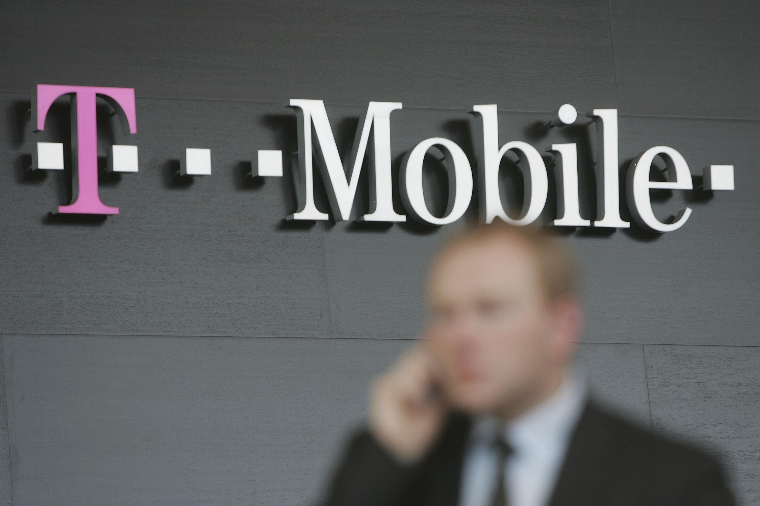 "FCC Acts to Make Smartphones Faster""""Especially for Sprint and T-Mobile"