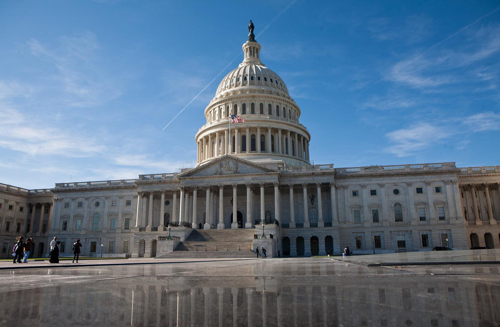 Lawmakers Want Federal Employees to Stop Harassing Interns
