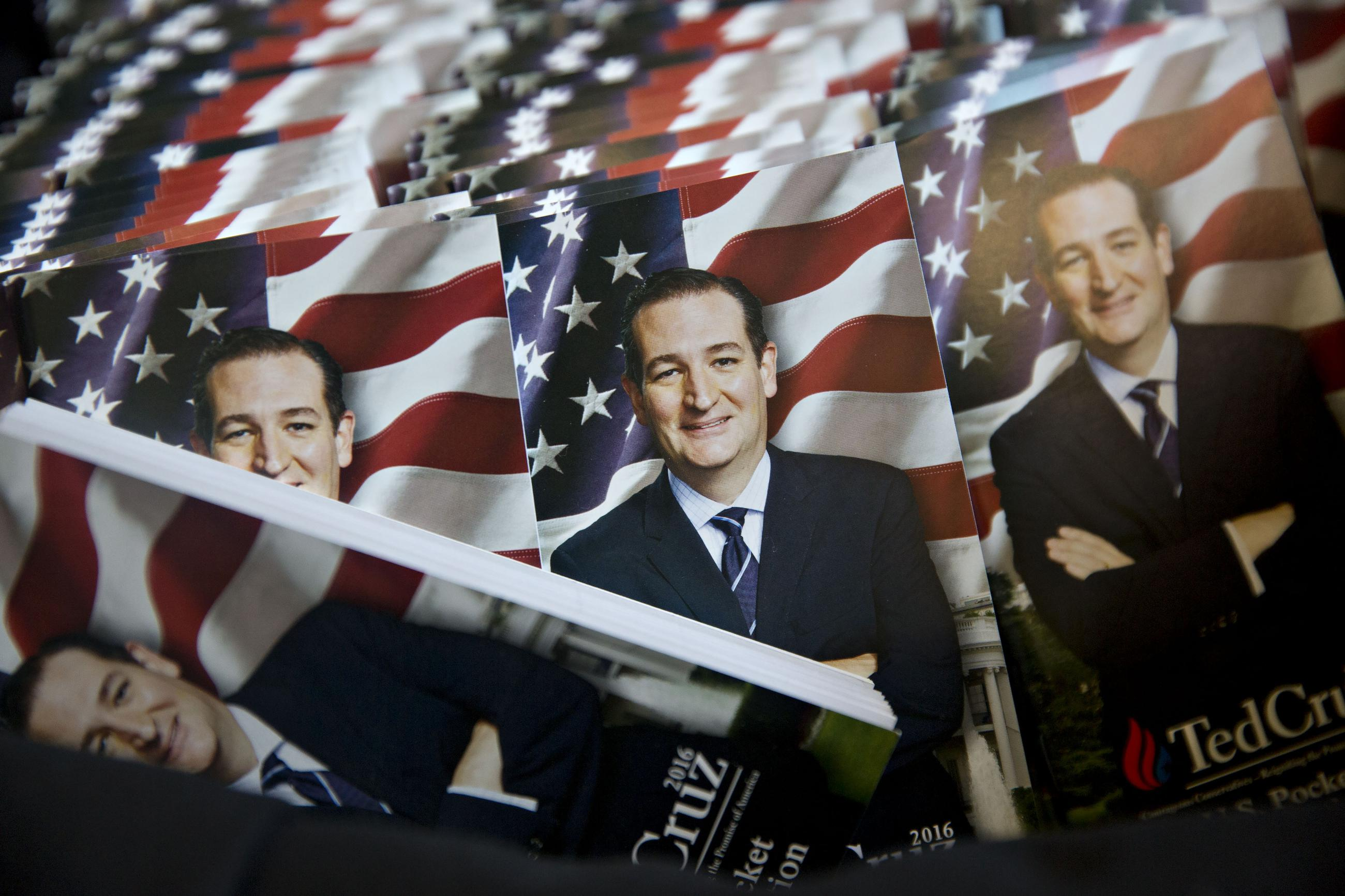Ted Cruz Is Stalking Donald Trump