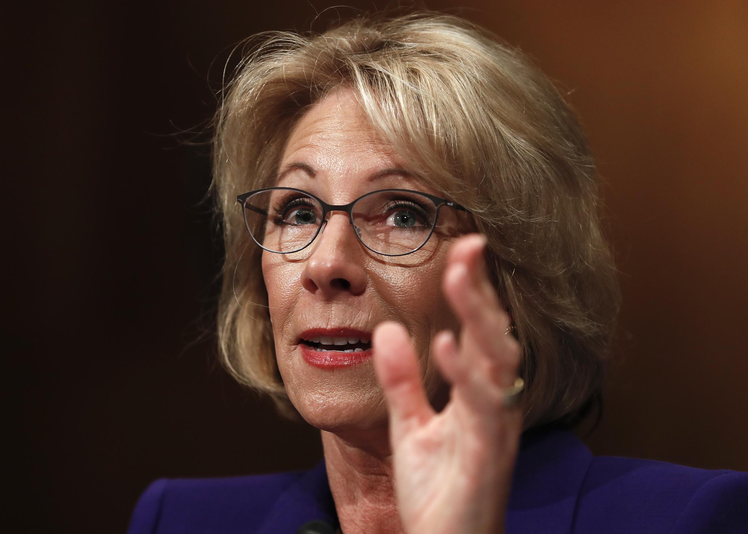 Devos Scraps More Out Of Date Federal >> Outlook Getting Trump S Cabinet In Place