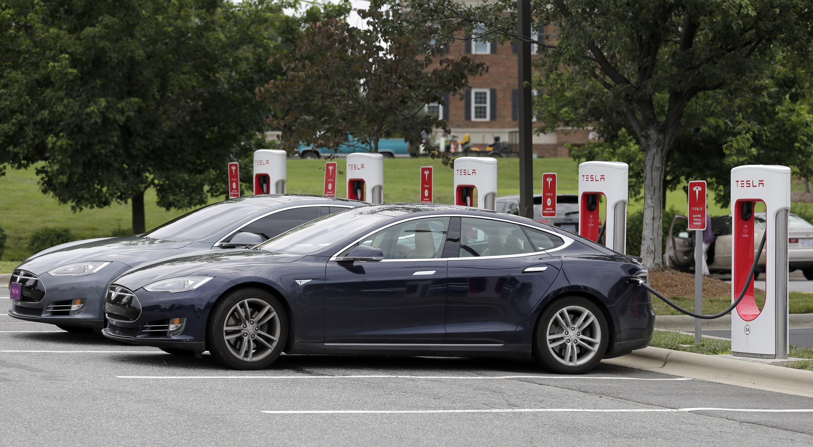 Electric Car Tax Credit Efforts Running Out Of Juice In Congress